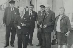 Dieses Bild wurde betitelt: Genossen der ersten Stunde, Heinrich Beckmann, 1. Bürgermeister nach 1945; Wilh. Roggensack; Franz Marx; Minna und Hermann Behrens.