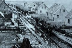 So sah die Dorfstraße um 1960 aus.